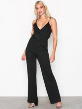 NLY Trend Strappy Solid Jumpsuit Jumpsuits Svart