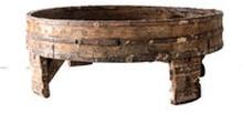 Puinen vintage Chakki-pöytä