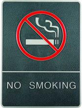 Indrammet krom skilt med blindeskrift - No smoking/rygning forbudt - Grå/sølv