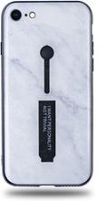 Modeskal med fingerhållare till iPhone 7/8 med marmor av djup snö