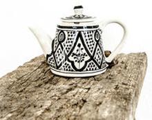 Kahvi-/teekannu musta-valkoinen