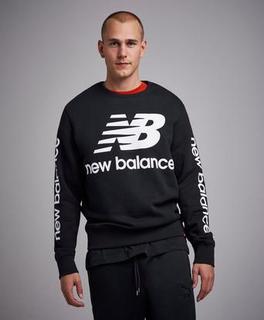 New Balance Sweatshirt Essentials NB Logo Crew BK Svart