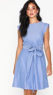 Yascelli Tie Dress