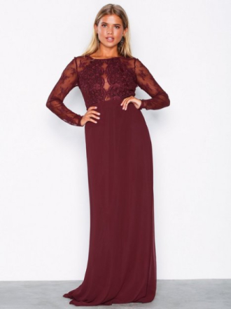 NLY Eve Whenever Lace gown Burgundy