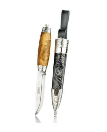 Bunadskniven med skåret slire