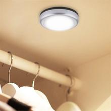 Paristokäyttöinen LED-valaisin makuuhuoneeseen / keittiöön / vaatekaappiin