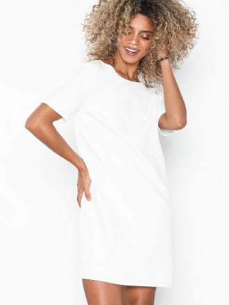 NLY Eve Square Back T-Shirt Dress Loose fit