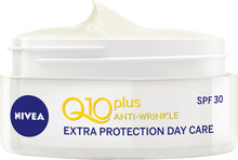 Q10 Plus Anti-Wrinkle Moisturizing Day Cream SPF3 -