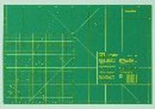 Skärmatta av plast grön cm/tum skala 45 cm 30 cm