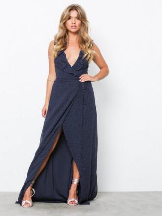 NLY Eve V-Neck Frill Gown Maxiklänningar Prickig