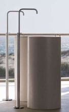Vola FS2 golvmonterad tvättställsblandare - Borstat krom