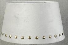 Velvet lampskärm med nitar 25 cm - Beige / mässing
