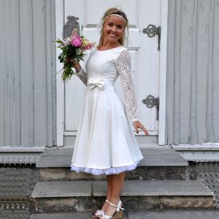 Brudklänning 50-tal Jenny, vit spets