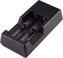 Akkulaturi USB 18650 / 18500 / 17650 / 16340 / AA / AAA