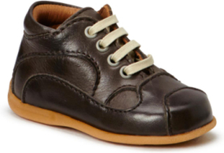 Starter Shoe Boys Pre-walkers / Beginner Shoes Brun BISGAARD