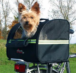 Cykelväska, Bak hund