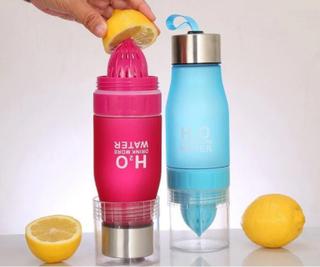 H2O - Drikkeflaske med Sitruspresse