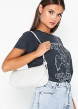 NLY Accessories Bring It Back Bag Axelremsväskor