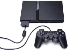 PlayStation 2 Slim Inkl. 2 Controller + Memorycard + FIFA 2008 & FIFA 2004 Sort