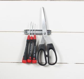 Magnetisk verktøyholder 10 cm - kjøp magnetlister hos SuperMagneter.no
