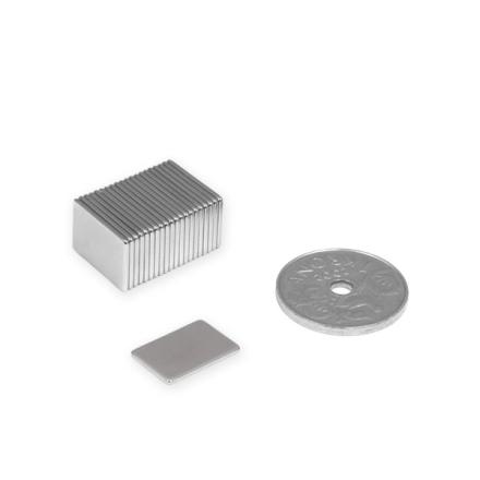 Rektangulær blokk magnet 15 x 10 x 1 mm | Tynn magnetplate med bæreevne 0,7 kg