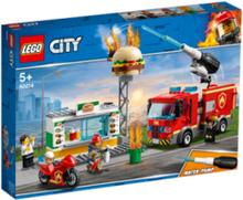 City 60214 Brandkårsutryckning till hamburgerrestaurang