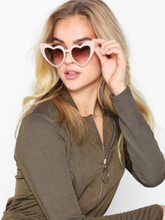 NLY Accessories Heart Cat Eye Sunglasses Creme