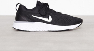 Nike Odyssey React Svart/Hvit