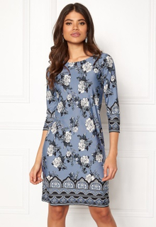Happy Holly Blenda dress Medium blue / Patterned 52/54L