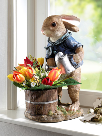 Hare med vannkanne brun