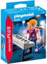 - Special PLUS - Sångare med keyboard