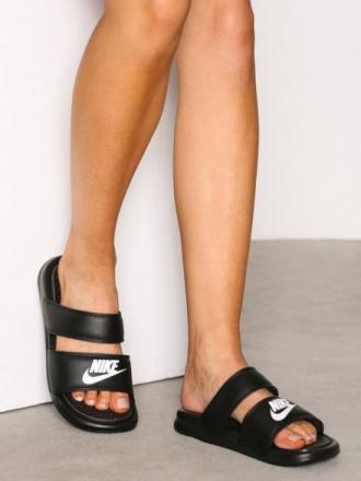 Flats - Svart Nike Benassi Duo Ultra Sandal