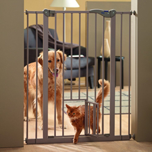 Savic Dog Barrier mit Katzentür - Höhe 107 cm, 7 cm Verlängerung
