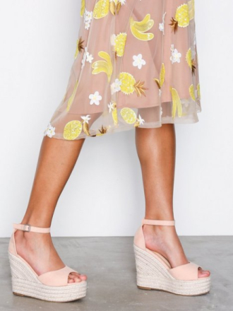 NLY Shoes Wedge Heel Sandal Lys rosa