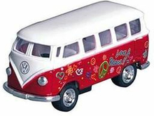 Rød VW Bus med Peace Print - Størrelse 1:64
