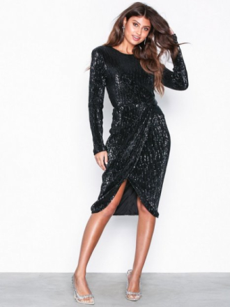 NLY Eve Padded Pleated Sequin Dress Svart