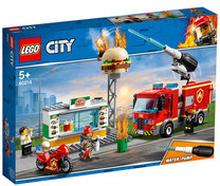 60214 City Fire, Brandkårsutryckning till hamburgerrestaurang