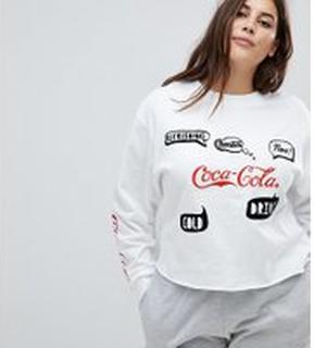 ASOS CURVE - LOUNGE - Sweatshirt med Coca Cola texttryck - Vit