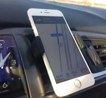 Cellularline Handy Drive Universalholder til montering i luftdyse, Sort