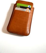 Mobilfodral med kortfack (iPhone 5) – Cognac