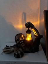1 PC Laterne Zombie Harz Statue Garten Landschaft Dekoration Home Desktop Persönlichkeit Horror Charakter Skulptur Hallo