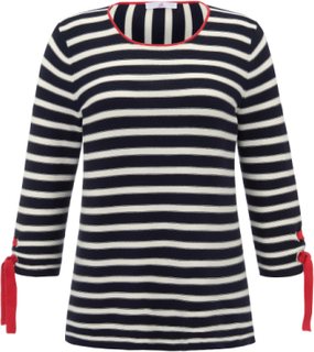 Rundhalsad tröja från Emilia Lay blå