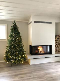 Kunstig juletre med lys 240cm - 100% PE