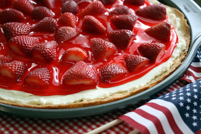 how to use marzetti strawberry glaze