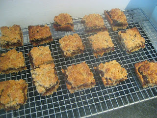 oat and date traybake