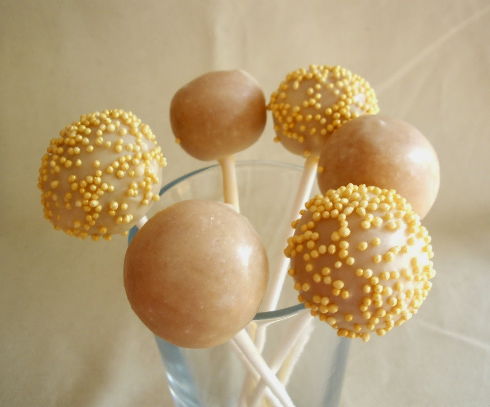 marzipan cake pops