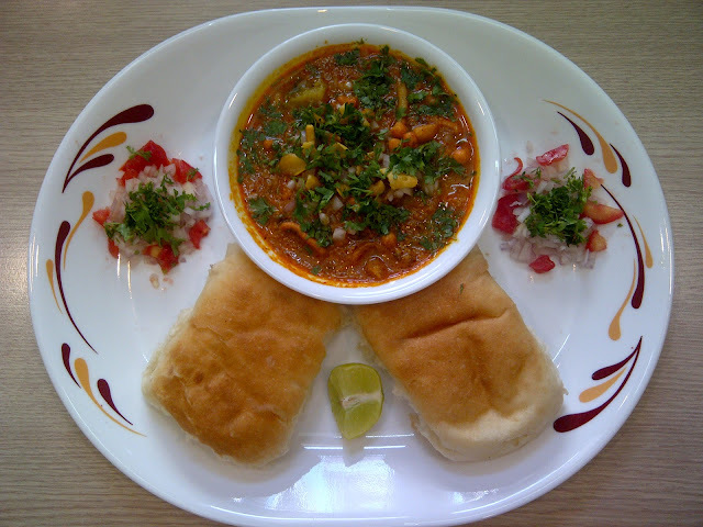 how to make misal pav marathi