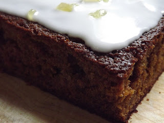 ginger sponge tray bake