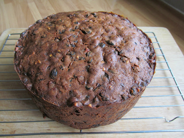light fruit cake delia smith