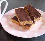 peanut butter traybake bars vegan